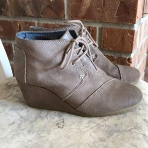 Toms metallic wedge desert ankle boots 8.5